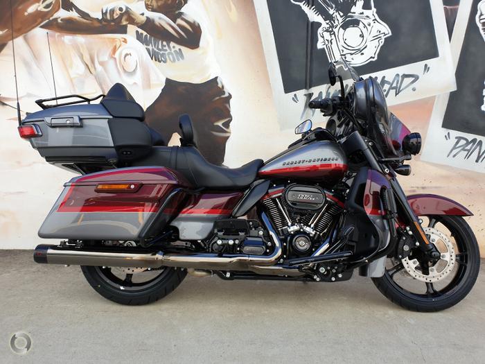 2019 Harley-Davidson CVO Limited 117 (FLHTKSE)