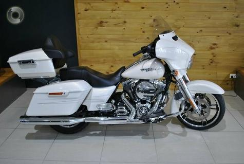 2015 Harley-Davidson Street Glide Special 103 (FLHXS)