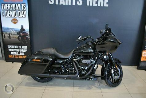 2018 Harley-Davidson Road Glide Special 107 (FLTRXS)