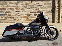 2018 Harley-Davidson Street Glide Special 107 (FLHXS)