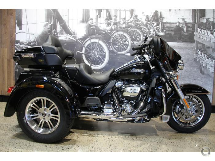 2019 Harley-Davidson Tri Glide Ultra 114 (FLHTCUTG)