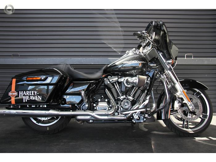2018 Harley-Davidson Street Glide 107 (FLHX)