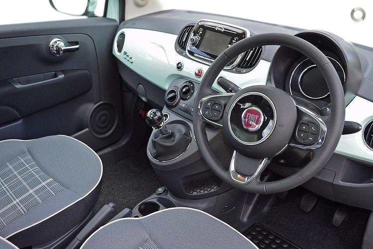 2017 Fiat 500 Lounge Manual