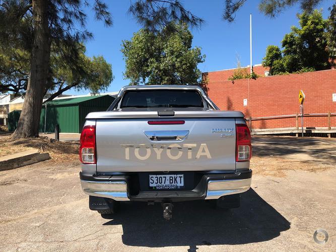 2016 Toyota Hilux SR5 Manual 4x4 Double Cab