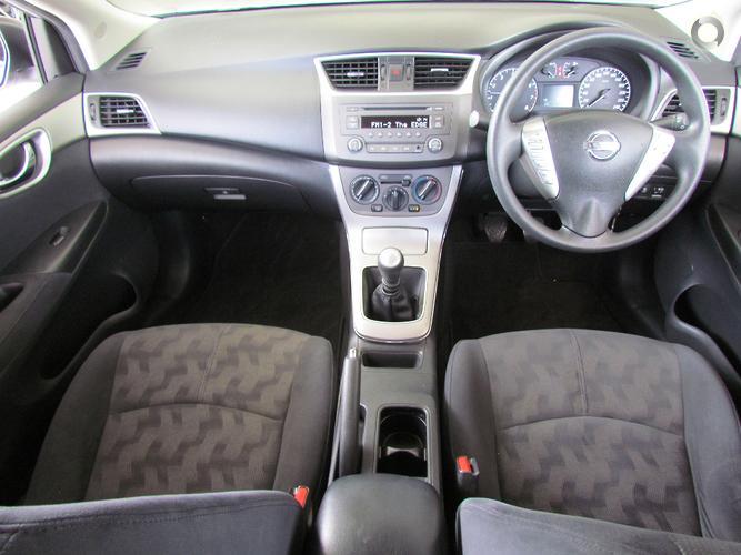 2012 Nissan Pulsar ST B17 Manual