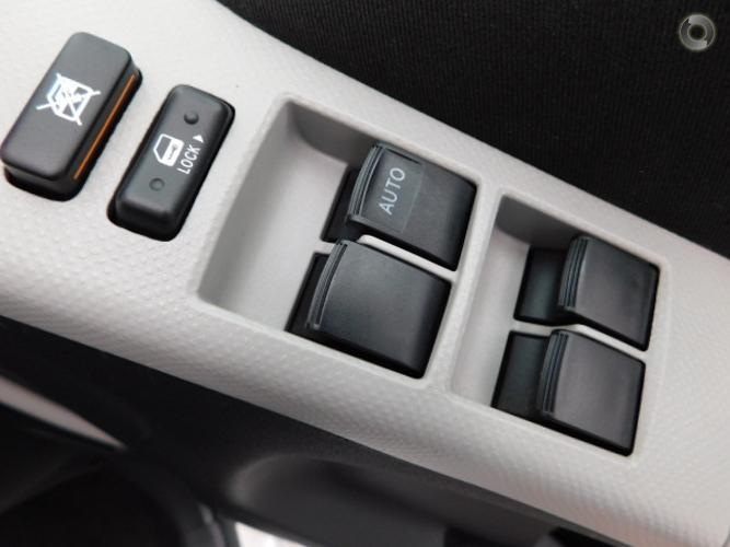 2008 Toyota Yaris YR Manual