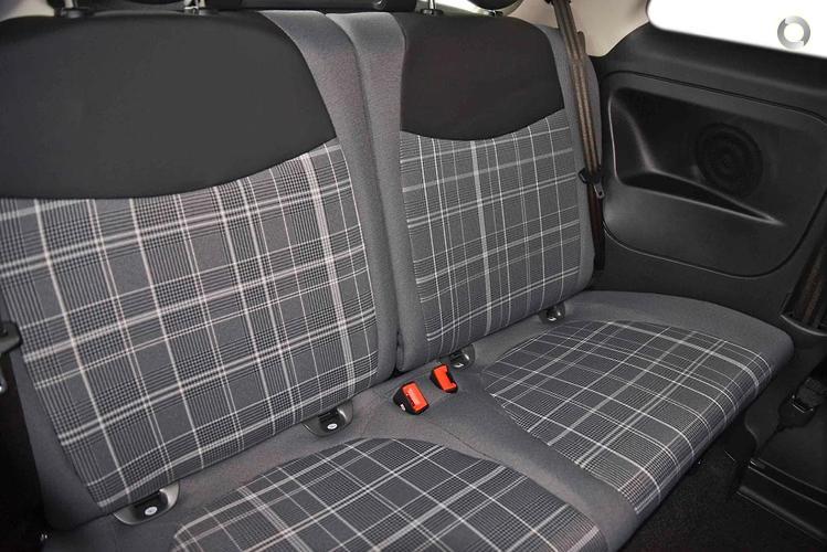 2018 Fiat 500C Lounge Manual