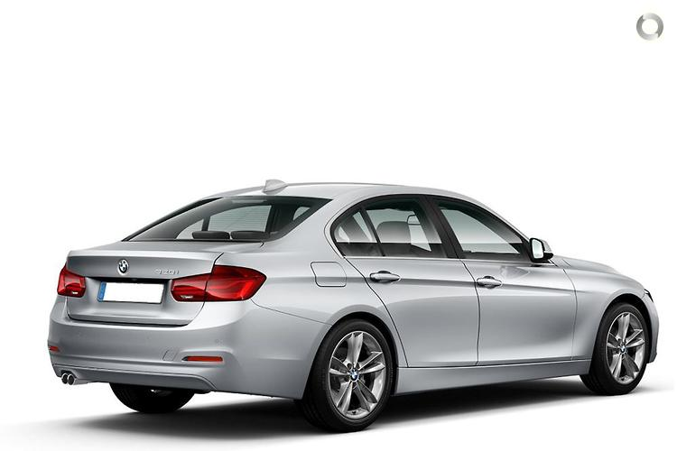 2011 BMW 120i E88 LCI Manual MY11