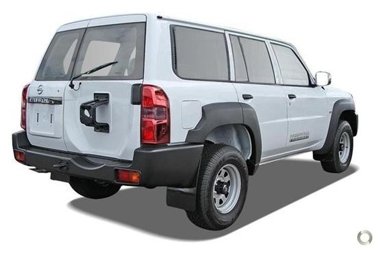 2013 Nissan Patrol DX Y61 Manual 4x4