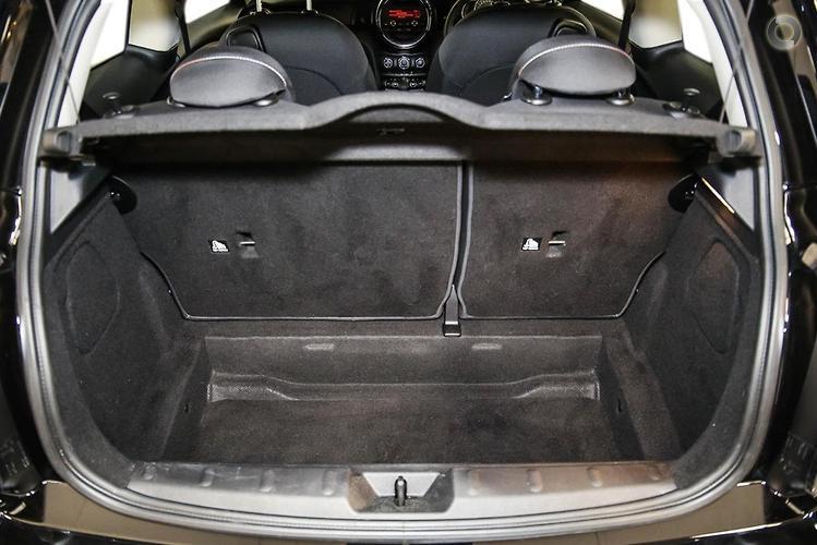 2017 MINI Hatch Ray Manual