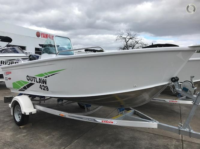 2019 STACER 429 OUTLAW SIDE CONSOLE