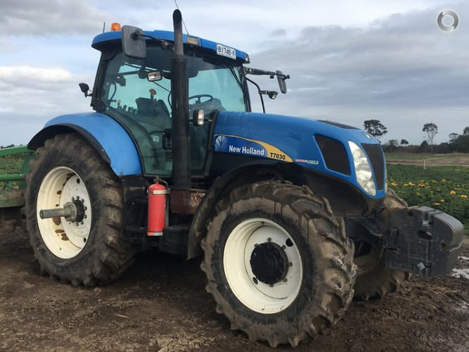 2007 New Holland T7030