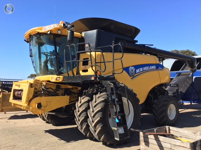 2014 New Holland CR8090