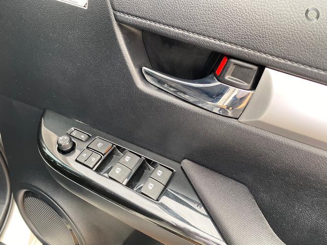 2016 Toyota Hilux SR5 Auto 4x4 Double Cab